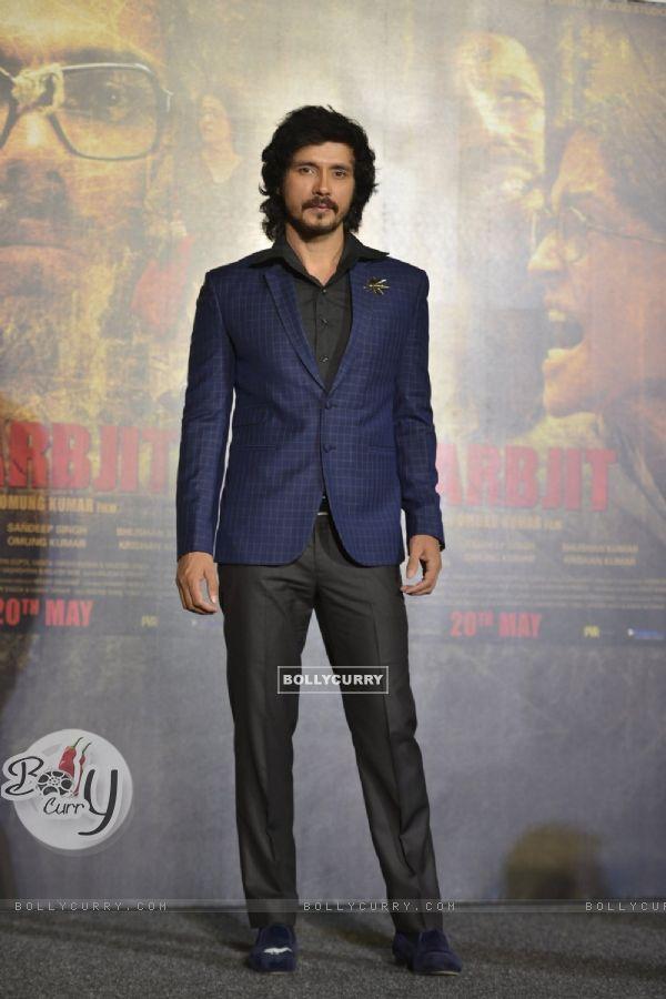 Darshan Kumar at the Trailer Launch of 'Sarabjit' (403349)