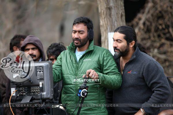 Ajay Devgn turns cinematographer for Shivaay (403547)