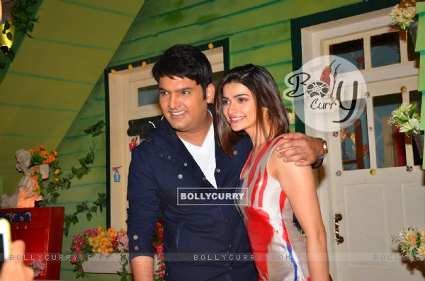 Prachi Desai poses with Kapil Sharma during the Promotions of 'Azhar' on 'The Kapil Sharma Show'