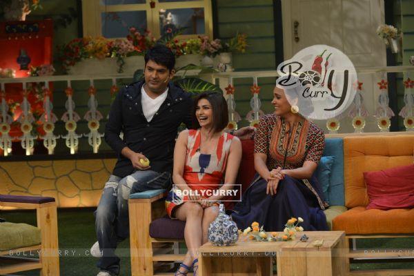 Lara Dutta and Prachi Desai with Host Kapil During Promotions of 'Azhar' on 'The Kapil Sharma Show'