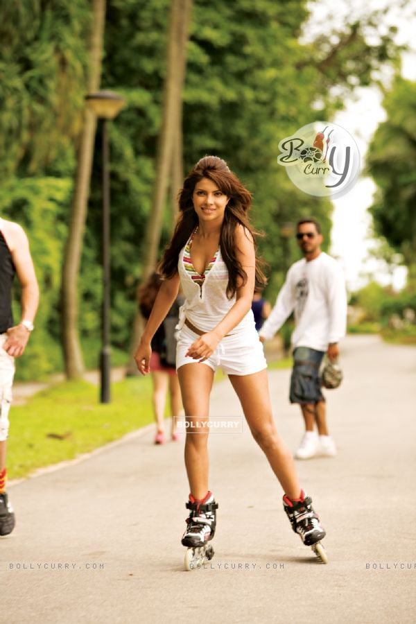 Priyanka Chopra doing Skating (40401)