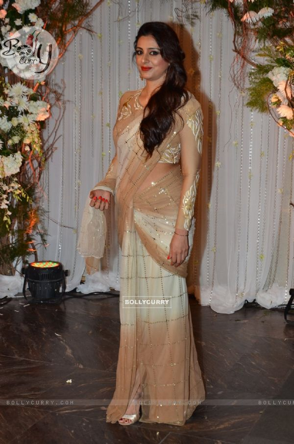 Tabu at Karan - Bipasha's Star Studded Wedding Reception