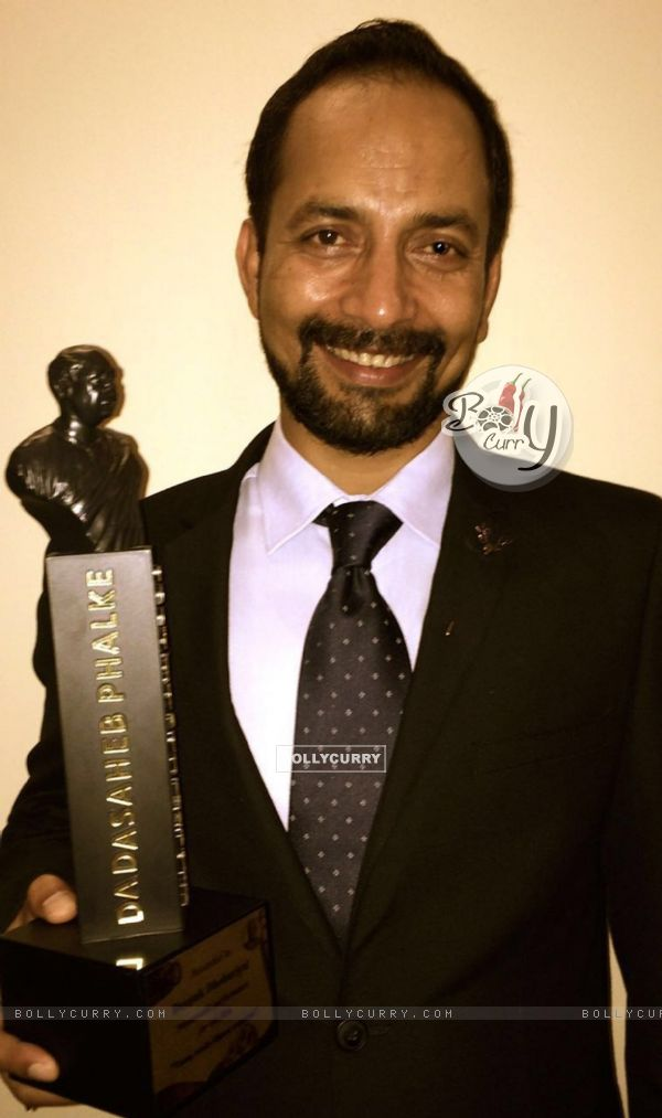 Deepak Dobriyal Felicitated at DadaSaheb Phalke Awards