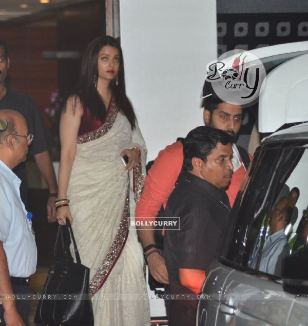 Abhishek Bachchan and Aishwarya Rai Bachchan at Family returns from the 'National Award Ceremony'