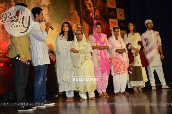 Randeep Hooda, Darshan Kumar, Aishwarya Rai Bachchan and Omung Kumar Pay Homage to Sarabjit (405182)