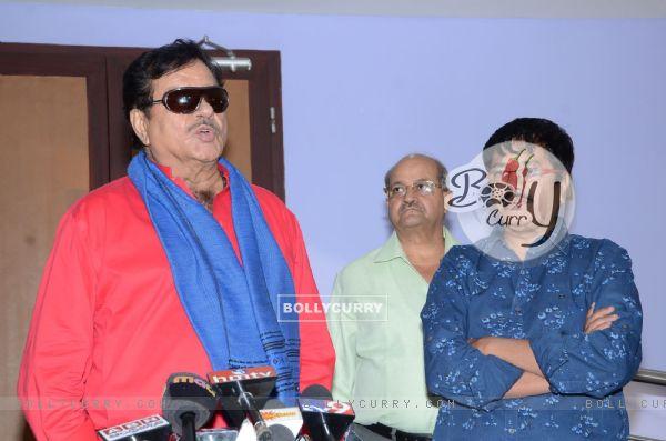 Satrughan Sinha at Press Meet of Eedo Rakam Aado Rakam