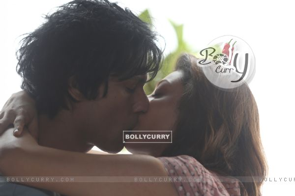 Kajal Aggarwal's first on-screen kiss with Randeep Hooda