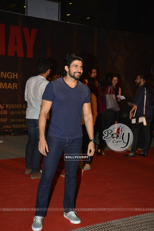 Hussain Kuwajerwala at Special Premiere of 'Sarabjit' (406353)