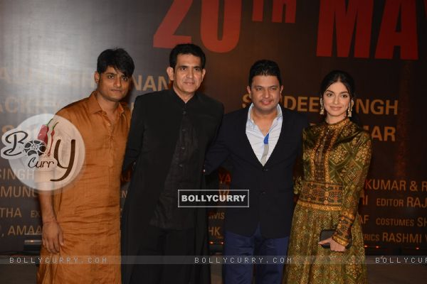 Omung Kumar and Divya Khosla at Special Premiere of 'Sarabjit' (406362)