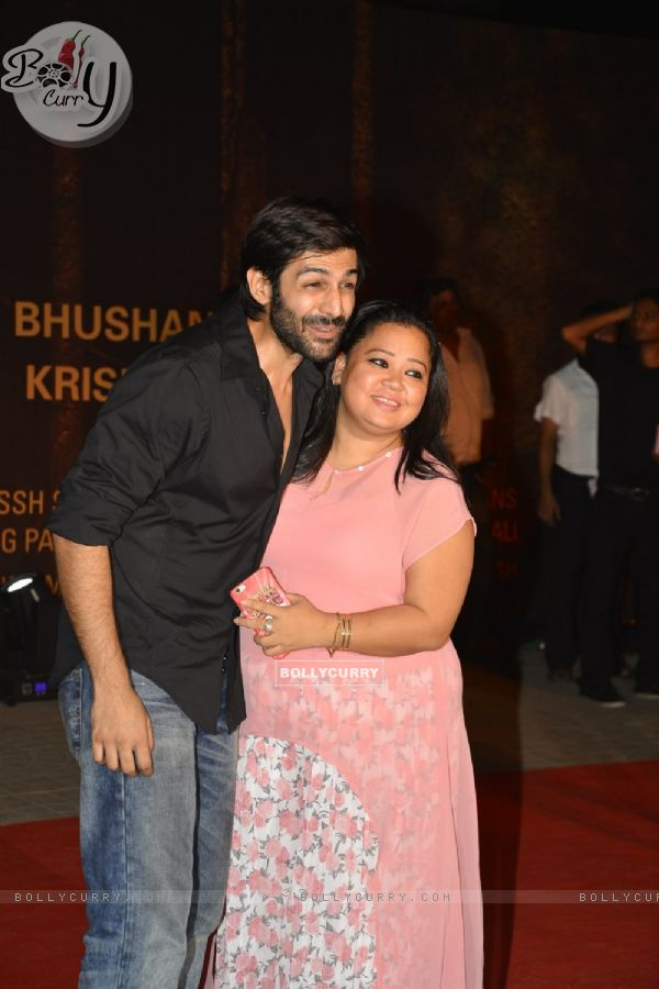 Jackky Bhagnani and Bharti Singh at Special Premiere of 'Sarabjit'