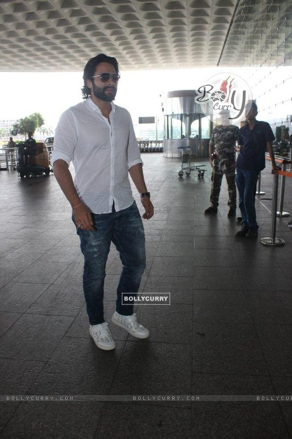 Airport Spotting: Jackky Bhagnani