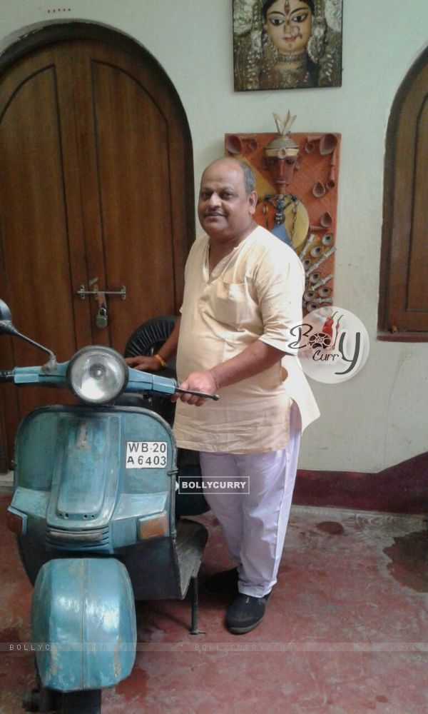 Sujit Narayan Sur with scooter of TE3N driven by Mr Bachchan in Te3n