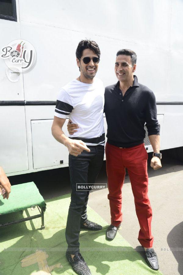 Akshay Kumar with Sidharth Malhotra