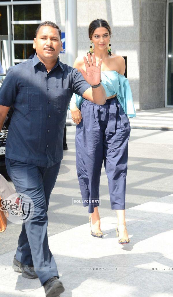 Lovely Deepika Padukone Snapped!