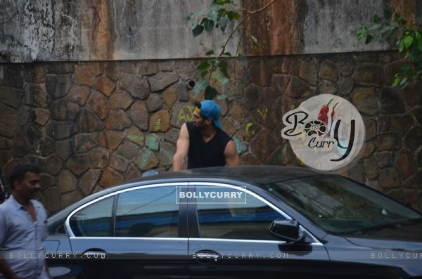 Aditya Roy Kapur Snapped in Bandra!