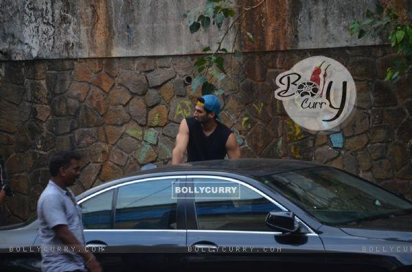 Aditya Roy Kapur Snapped in Bandra!