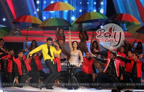 Sridevi performs at IIFA Awards