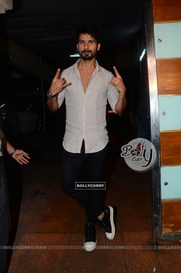 Shahid Kapoor at Success Bash of 'UDTA PUNJAB' (409642)