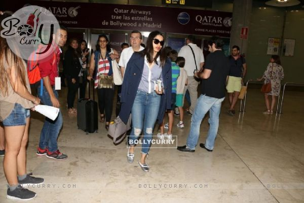 Freida Pinto Snapped at Airport