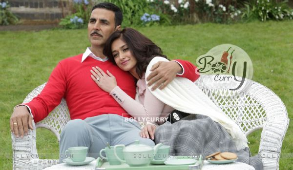 Still from tere sang Yaara from Rustom (411291)
