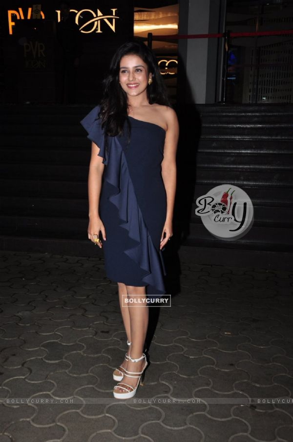 Mishti at Premiere of Great Grand Masti