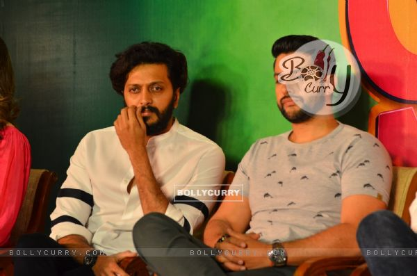 Riteish  and Aftab at Press meet of 'Grand Masti' on Piracy Issue (412467)