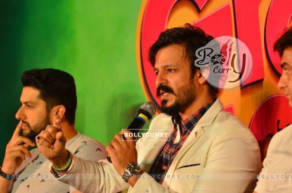 Vivek Oberoi and Aftab Shivdasani at Press meet of 'Grand Masti' on Piracy Issue (412470)