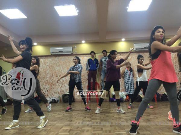 Varun Dhawan rehearsals for dream team concert