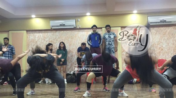 Varun Dhawan rehearsals for dream team concert