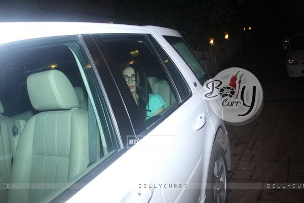 Karishma Kapoor snapped outside Kareena's house