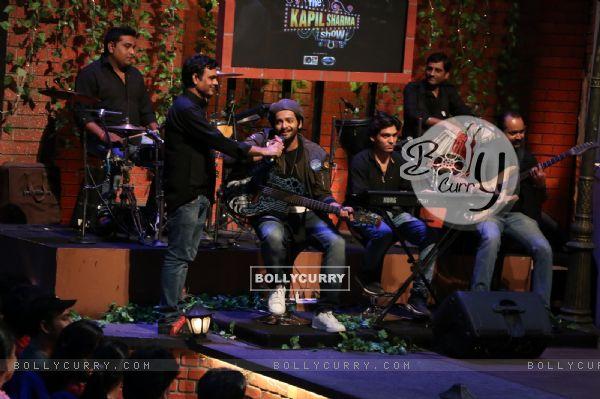 Ali Fazal on The Kapil Sharma Show for Promotions fo Happy Bhag Jayegi (413355)