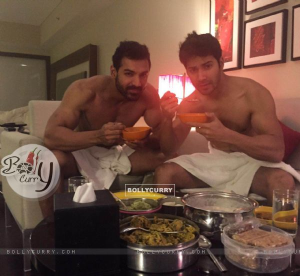 Varun Dhawan and John Abraham bonding over food (413712)
