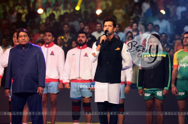 Hrithik Roshan feels proud singing national anthem at Star Sports Pro Kabaddi Season 4 Finale