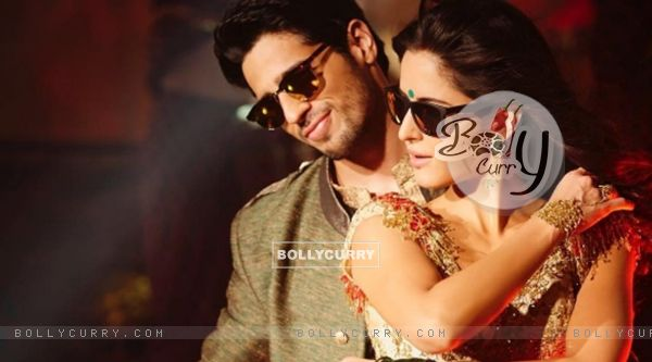 Kala Chashma fever reaches city colleges!