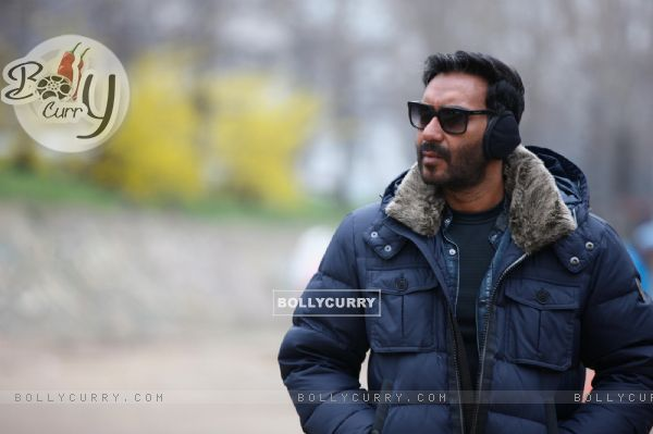 Ajay Devgn gets invited to Indore by his Fan Clubs for SHIVAAY Trailer Launch