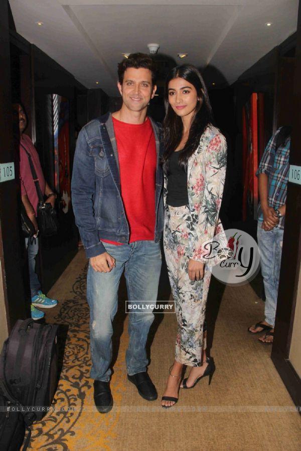 Pooja Hegde and Hrithik Roshan Promotes 'Mohenjo Daro'