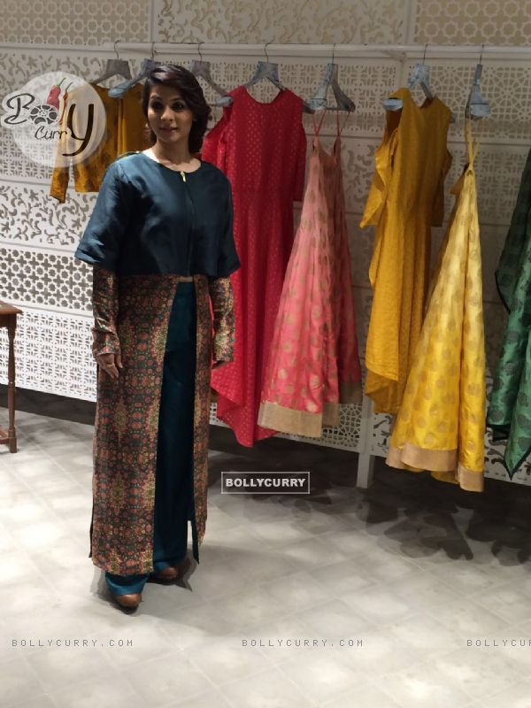 Tanishaa Mukerji Wows in Shruti Sancheti Outfit
