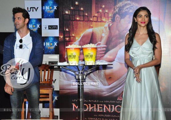 Hrithik Roshan and Pooja Hegde Promotes of Mohenjo daro at INOX (415792)