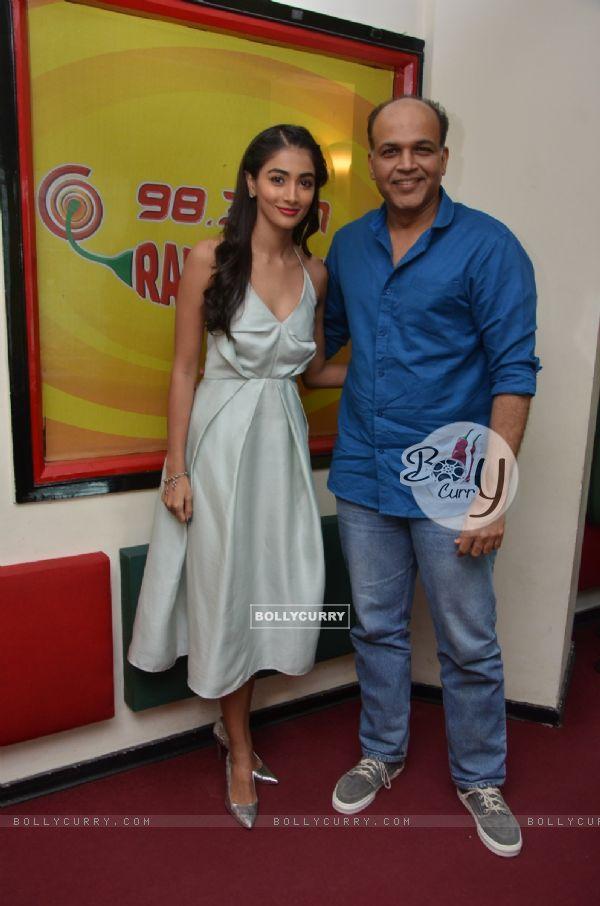 Pooja Hegde and Ashutosh Singh Promotes 'Mohenjo Daro' at Radio Mirchi