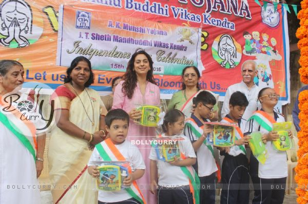Juhi Chawla celebrates Independence Day with children at A K Munshi Yojana