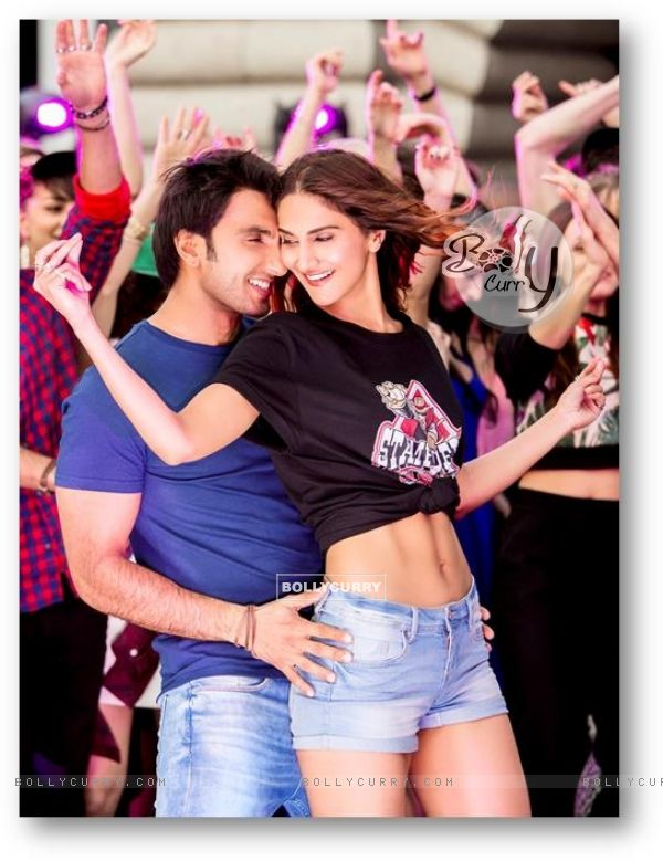 Still of Befikre starring Vaani Kapoor and Ranveer Singh
