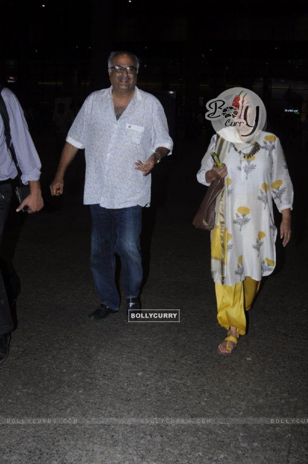 Shabana Azmi and Boney Kapoor Snapped at Airport!