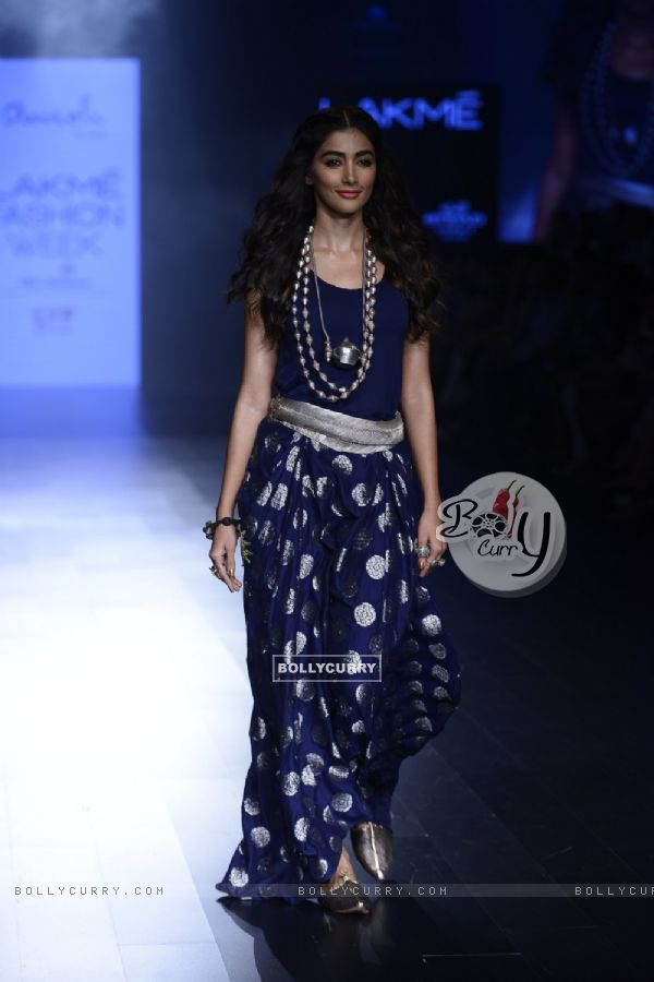 Day 5 - Sizzling Pooja Hegde walks the ramp at Lakme Fashion Show 2016