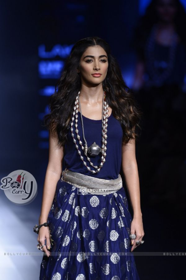 Day 5 - The Stunning beauty Pooja Hegde walks the ramp at Lakme Fashion Show 2016