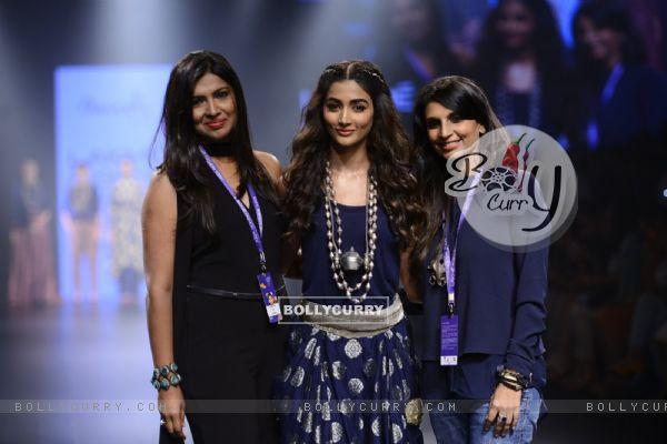 Day 5 - 'The Beautiful' Pooja Hegde walks the ramp at Lakme Fashion Show 2016
