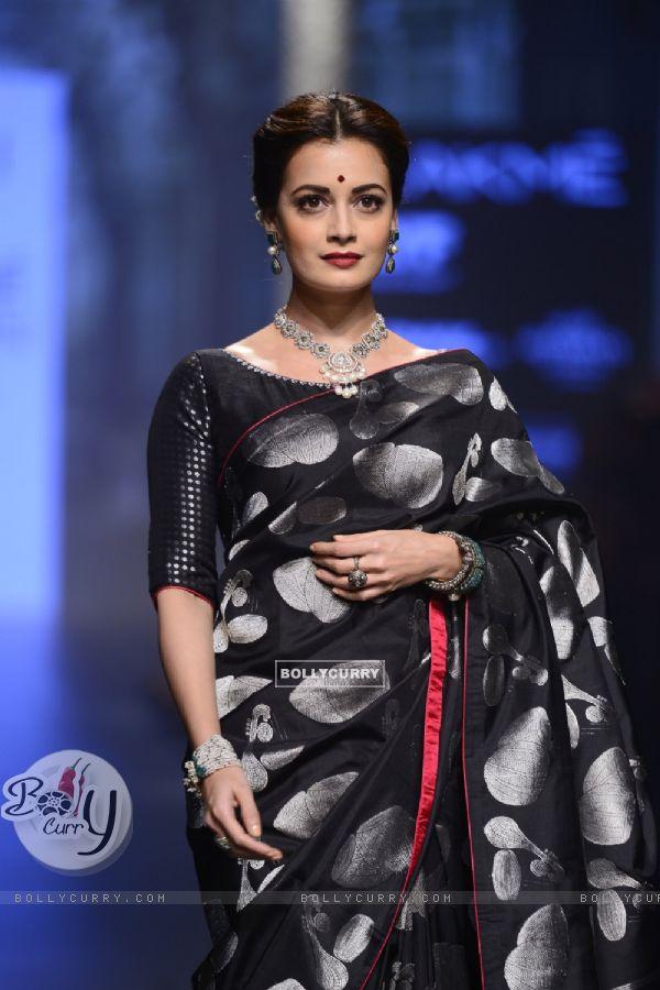 Day 5 - The ravishing beauty Dia Mirza walks the ramp at Lakme Fashion Show 2016