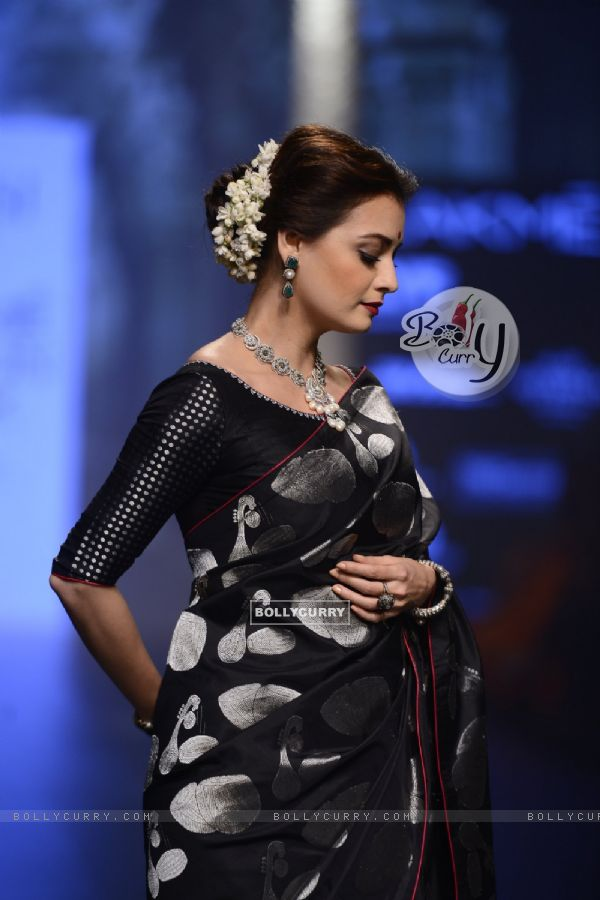 Day 5 - The divine beauty Dia Mirza walks the ramp at Lakme Fashion Show 2016