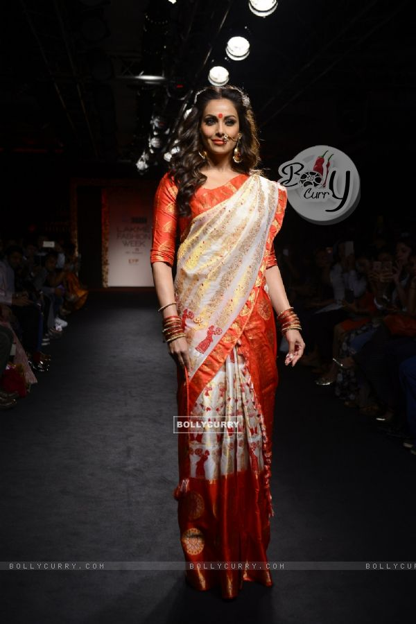 Day 5 - The Bong Beauty Bipasha Basu walks the ramp at Lakme Fashion Show 2016