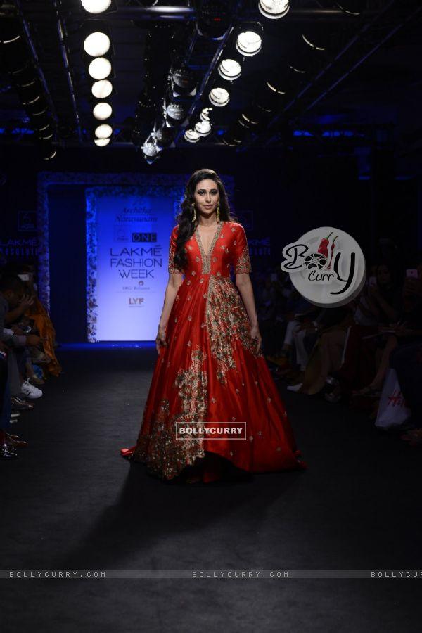 Day 5 - Karisma Kapoor walks the ramp at Lakme Fashion Show 2016