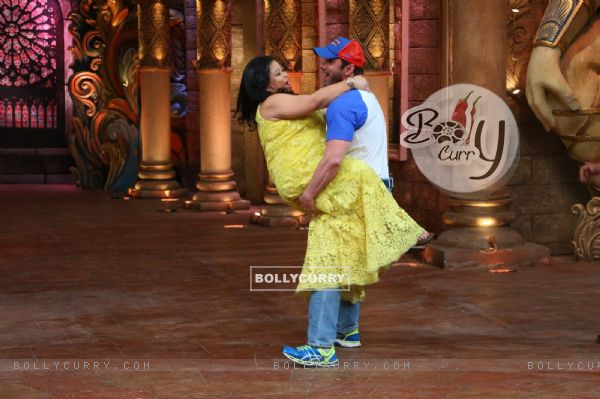 Sohail Khan and Bharti Singh at Promotion of 'Freaky Ali' at Comedy Nights Bachao